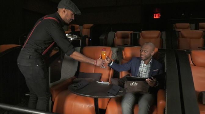 Image: 映画館で本格的な食事とお酒。Dine-in Theaterで優雅に映画を!