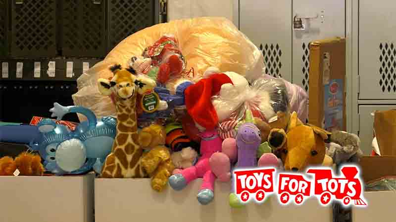 """Image: 恵まれない子ども達におもちゃを!ボランティア""""TOYS for TOTS"""""""